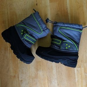 Toddler winter boots size 7/8